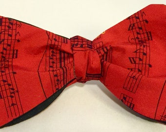 Bowtie with musical motif