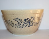 Vintage Pyrex Speckled Tan with Blue Homestead Print 1 1 2 Pint Mixing Bowl
