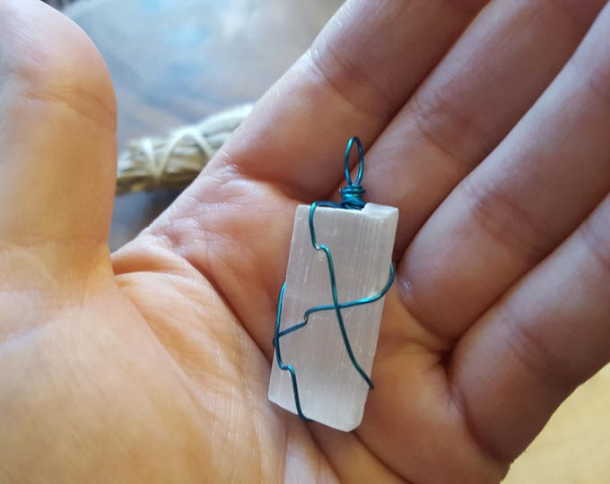 Selenite wire wrapped pendant, Reiki infused approx 1.7x.7 inches (WW25)