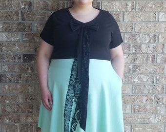 Lace Back Plus Size Dress with pockets
