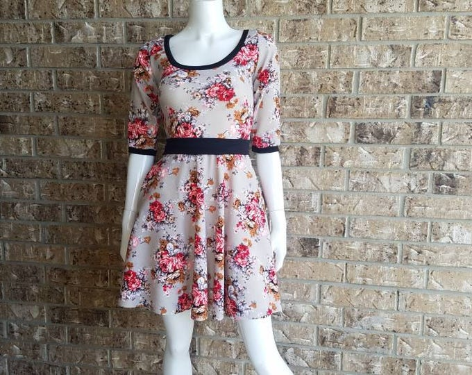 Retro Floral Dress with pockets