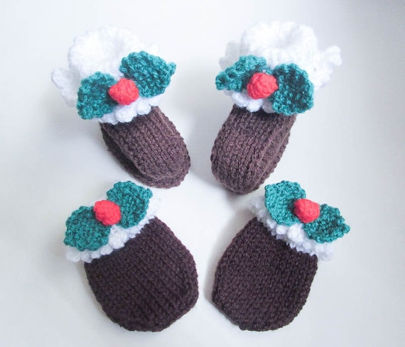 Knitting Pattern Christmas Pudding Baby Booties Mittens Shoes Baby