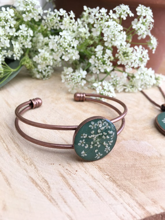 NEW Antique Copper Bangle Bracelet Green With White Queen