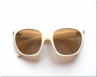 859abf05d92 vintage cream sunglasses