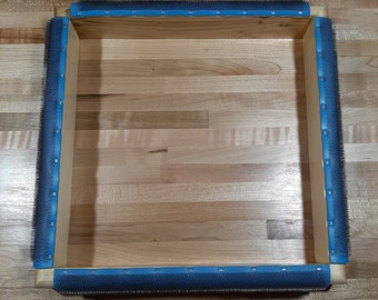 """WOODEN FRAME with Gripper Strip for rug hooking / punch needle 10""""x 10""""  Pine, Smooth Clear Finish"""