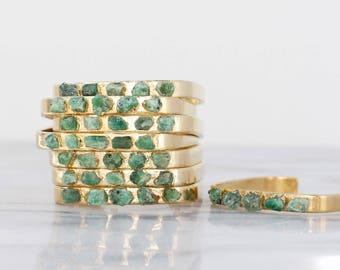 Roh-Smaragd-Armband | Smaragd Armband | kann Geburtsstein Manschette | kann Geburtsstein Armband | Roh Smaragd Schmuck | rohen Kristall Armband