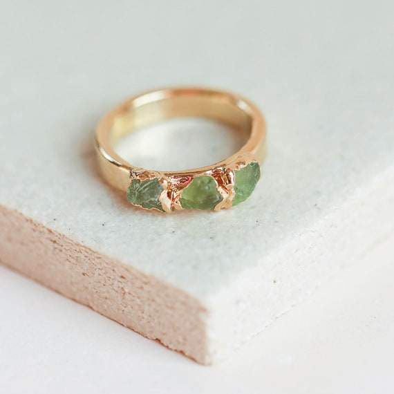 Tiny Peridot Ring,Stack Ring,Bezel Set,Olive Green Ring SALE! Slim Ring,Dainty Ring,Gemstone Ring,Gold Filled Ring,Gift For Her
