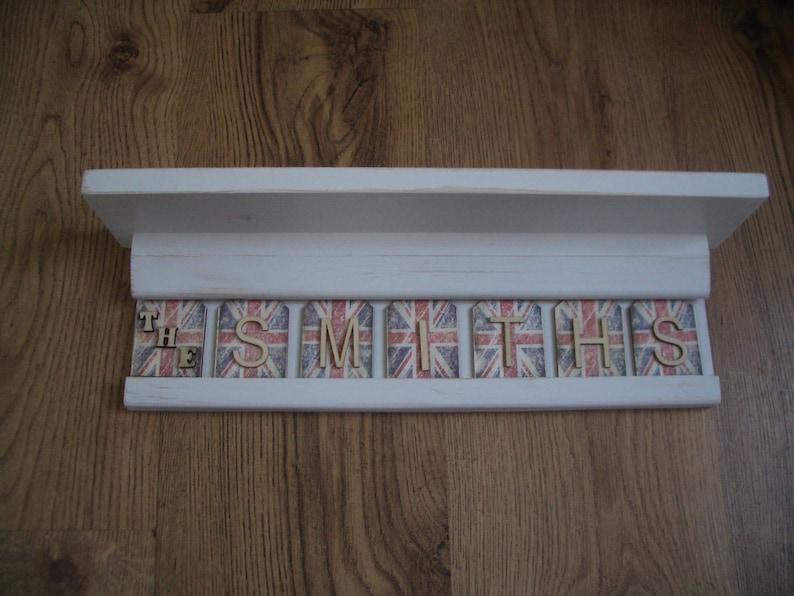 Mensola shabby chic con lettera personalizzata piastrelle etsy