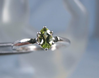 PERIDOT - Petite Lime Green Peridot Birthstone or Pinky Sterling Ring, FREE SHIPPING!