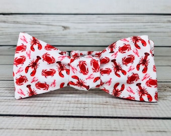 Men/'s Pink Bowtie with Red Lobster Print