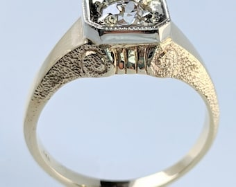 Handcrafted Vintage-Style unisex Roman piller ring.