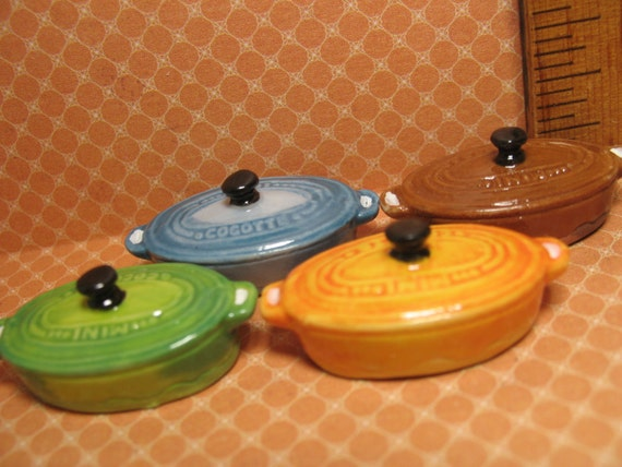 Le Creuset OVAL DUTCH OVEN Kitchen Dollhouse Miniature Toy 1:12