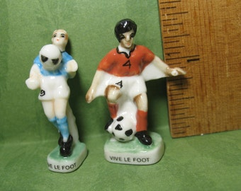 Tiny Soccer Players Football Footie Player - French Feve Feves Figurine Miniatures N264
