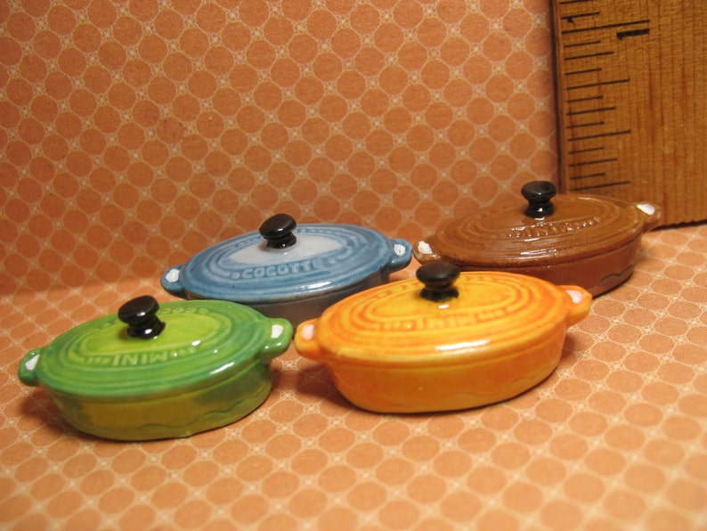 Tiny Oval Dutch Oven Casserole Cast Iron Cooking Pot   French image 0