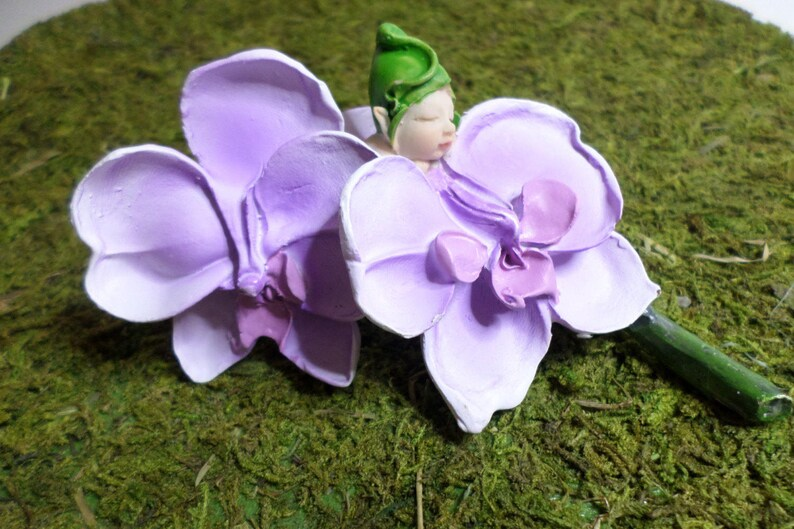 Lavender Orchid Sleeping Fairy Baby Miniature Garden Accessory Terrarium Flower Container Gardening Indoor Fairy Garden Table Centerpiece