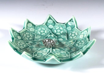 Emerald Green Ring Dish - Lotus Flower Ceramic Soap Dish - Spoon Rest - Trinket Dish Porcelain Soap Dish - Ring Holder