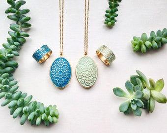 Patina Jewelry Set Ring & Locket Brass