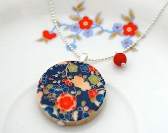 Japan flowers wood pendant necklace