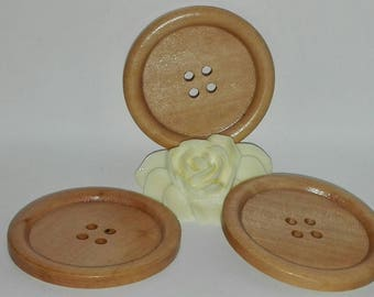 set of 6 wooden buttons, round, 5 cm by 0.5