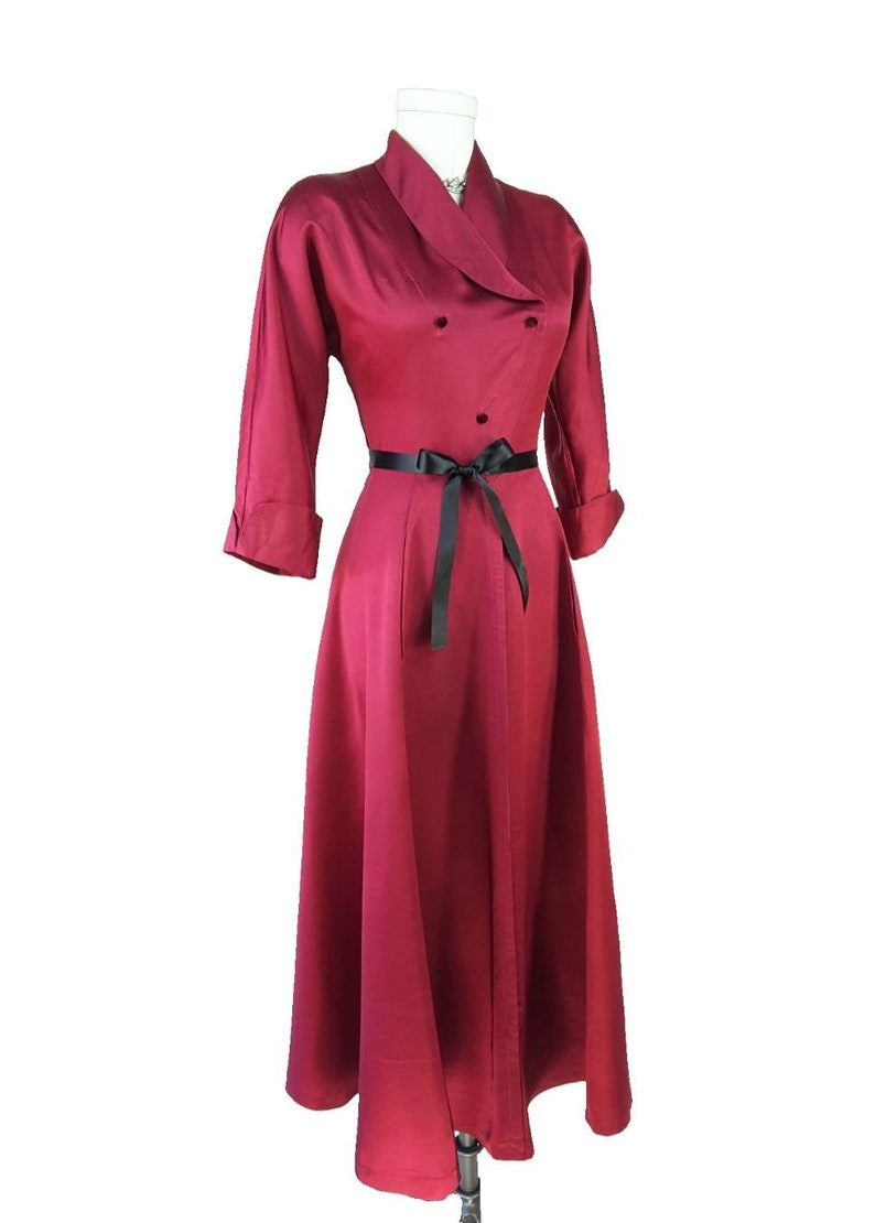 Vintage 1940s Dressing Gown SM ~ RARE Merlot Red 40s SAYBURY Robe Hollywood Glamour Shawl Collar Bias Cut Skirt Double Breasted Stunning