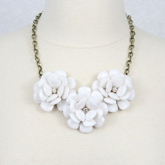 White Becklace Flower Statement Necklace Beaded Rose Etsy