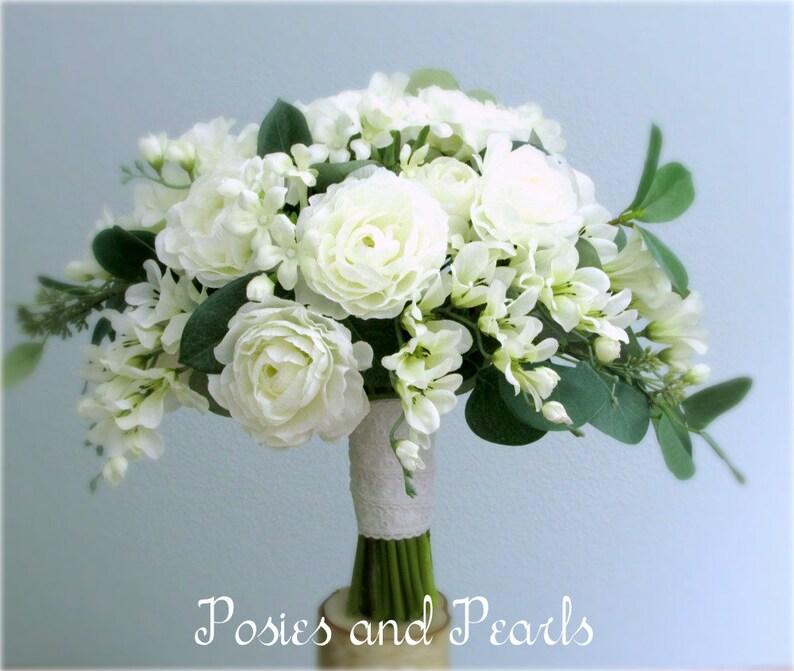 Bouquet Sposa Camelie.Bianco Fiore Di Seta Bouquet Da Sposa E Boutonniere Camelie Fresia Gelsomino Del Madagascar Eucalipto Primavera Estate Inverno Matrimonio