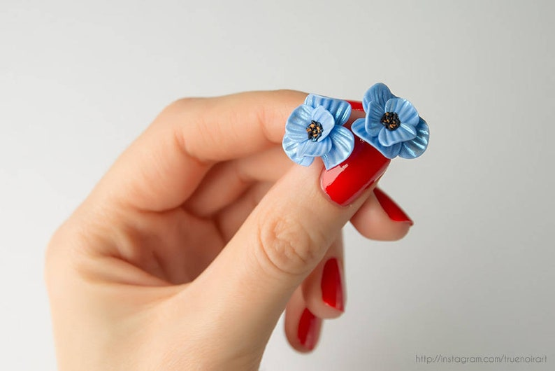 Baby blue poppy earrings Polymer clay flower Floral jewelry image 0