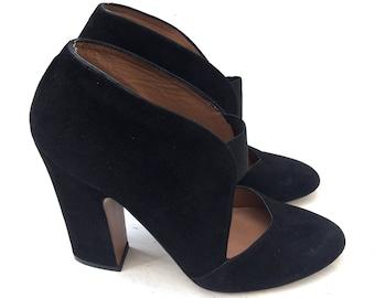 ALAIA black suede pumps shoes