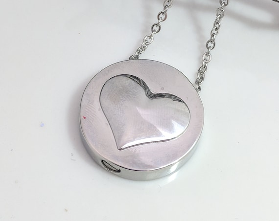 Circle Heart Urn- Cremate Jewelry- Urn Necklace- Ashes Necklace- Stainless Steel Urn- Urn Memorial- Urn for Ashes- Cremation Necklace