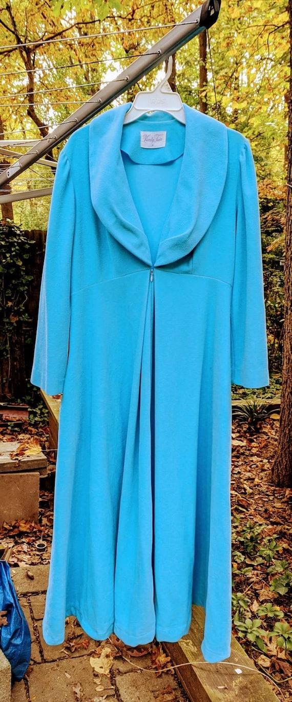 Women's Vintage Velour Robe size 18