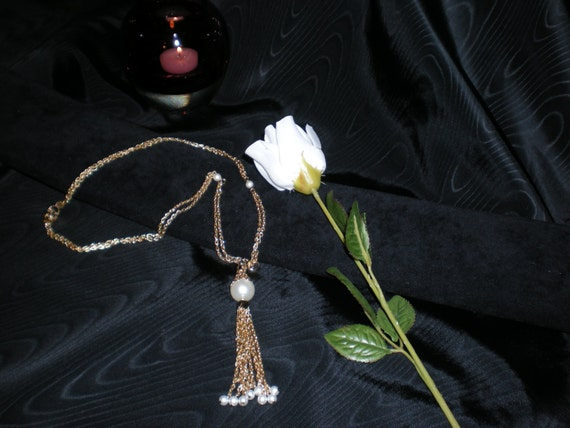 Fabulous Vintage Faux Pearl Station Necklace with… - image 3