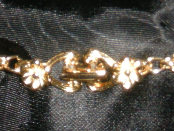 Fabulous Vintage Faux Pearl Station Necklace with… - image 2