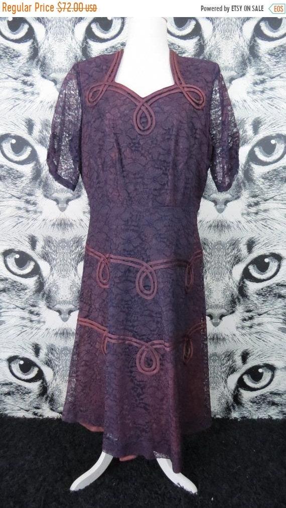 FALL SALE 40s / 50s Purple Lace Formal Dress / XL