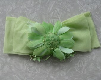 60s Pale Green Daisy Bow Headpiece