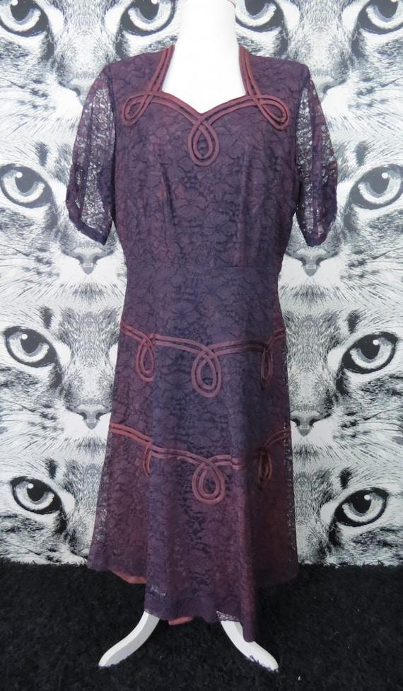 40s / 50s Purple Lace Formal Dress / XL