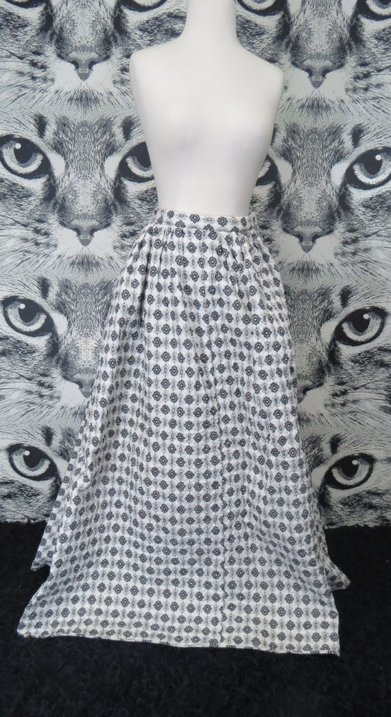 50s Black and White Pattern Quilted Skirt / XS