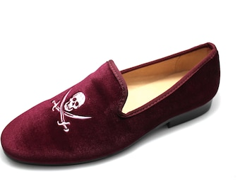 abbc7bb78bbf S and D by Smythe   Digby Men s Albert Slipper Leather Lined Burgundy  Velvet Loafers Skull and Sword Motif
