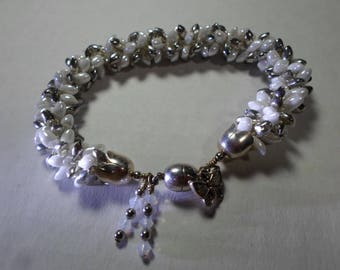 Kumihimo Bracelet... white and silver beads... magnetic