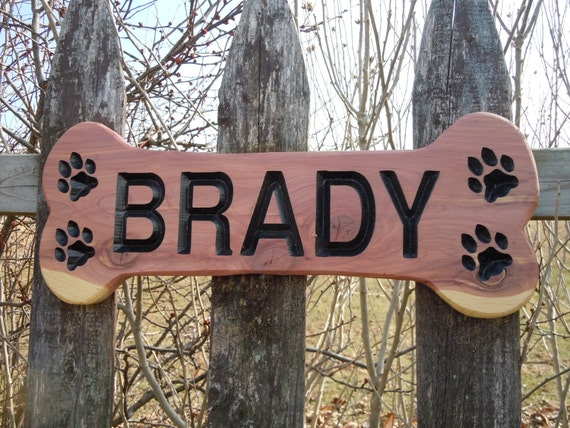 Dog Bone Shaped Sign Family Pet Name Personalized Wooden Carved Rustic Outdoor New Puppy Engraved Plaque Doghouse Run Name Plate Cedar DB3