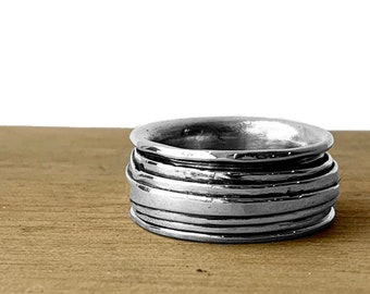 This is my Croissant spinner ring