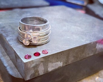 Swarovski Crystal Spin Ring in Pinks and Red
