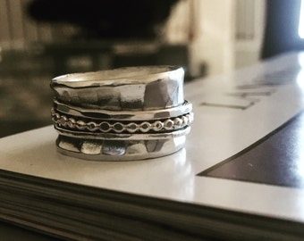Hammered Band Spinner Ring