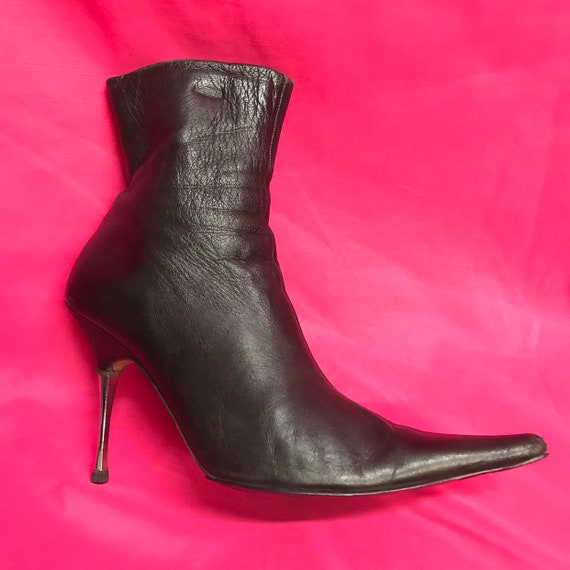 Womens 6 37 vintage black leather pointed silver m