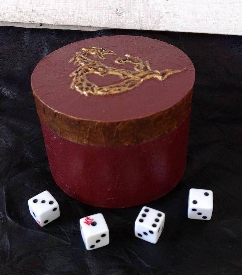 Dungeons & Dragons Round Dice Gaming Box  DD image 0