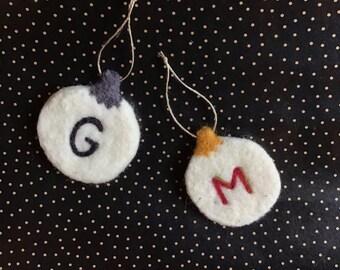 Pack of 4 custom monogram tree ornaments // Needlefelted // 100% wool