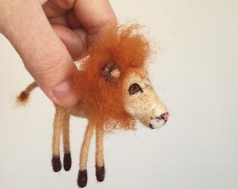Felted Lion // Needlefelt // Lion Ornament // Safari Theme