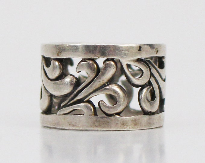Vintage 1970s Carved Silver Boho Ring - Size 6