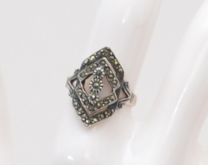 Vintage Art Deco Hematite Ring - Size 6