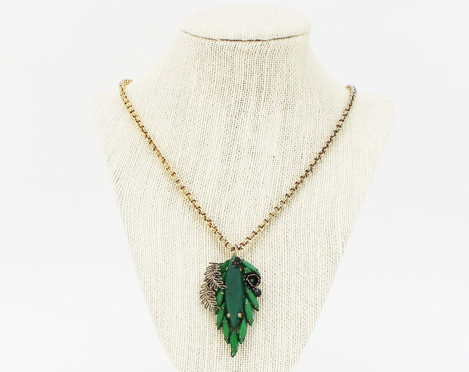 Emerald Green Rhinestone Necklace - Vintage 1940s Boho Art Nouveau Pendant Necklace