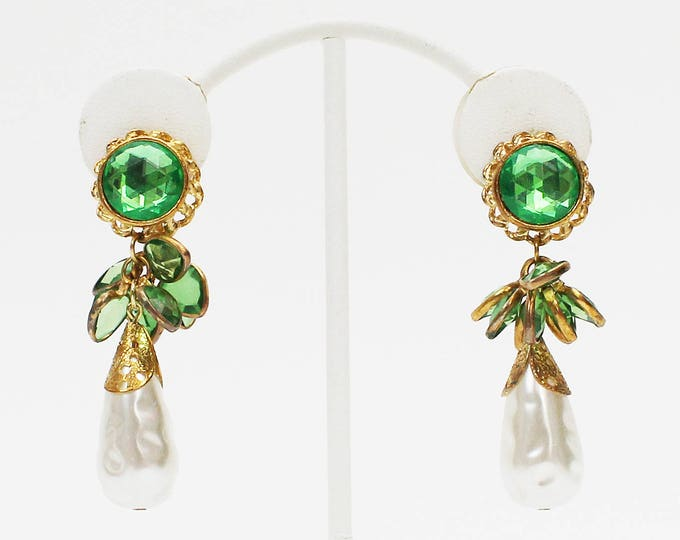 Green Bezel Set Bead Dangle Earrings - Vintage 1960s Gold and Pearl Drop Clip Ons